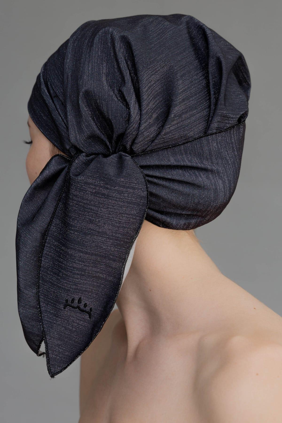 Gorro de ducha sostenible y glamuroso color negro